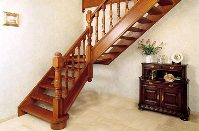 Заказать лестницу в Москве